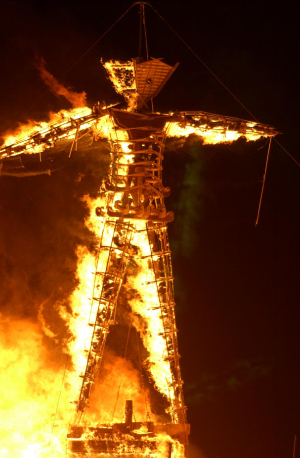 Burning man port de bras